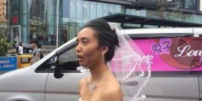 Se maquilló, en un ingenuo gesto romántico, como anciana antes de su matrimonio. Foto:Weibo