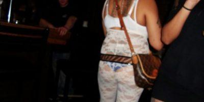 Lencería blanca como Maria Antonieta #Sarcasmo Foto:EmbarrassingNightClubPhotos