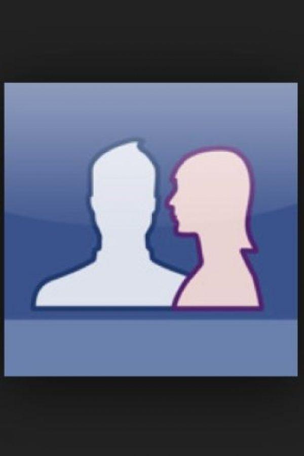 Las parejas más satisfechas con su relación, suelen publicar un par de fotos juntos. Foto:Tumblr.com/tagged-Facebook-amor