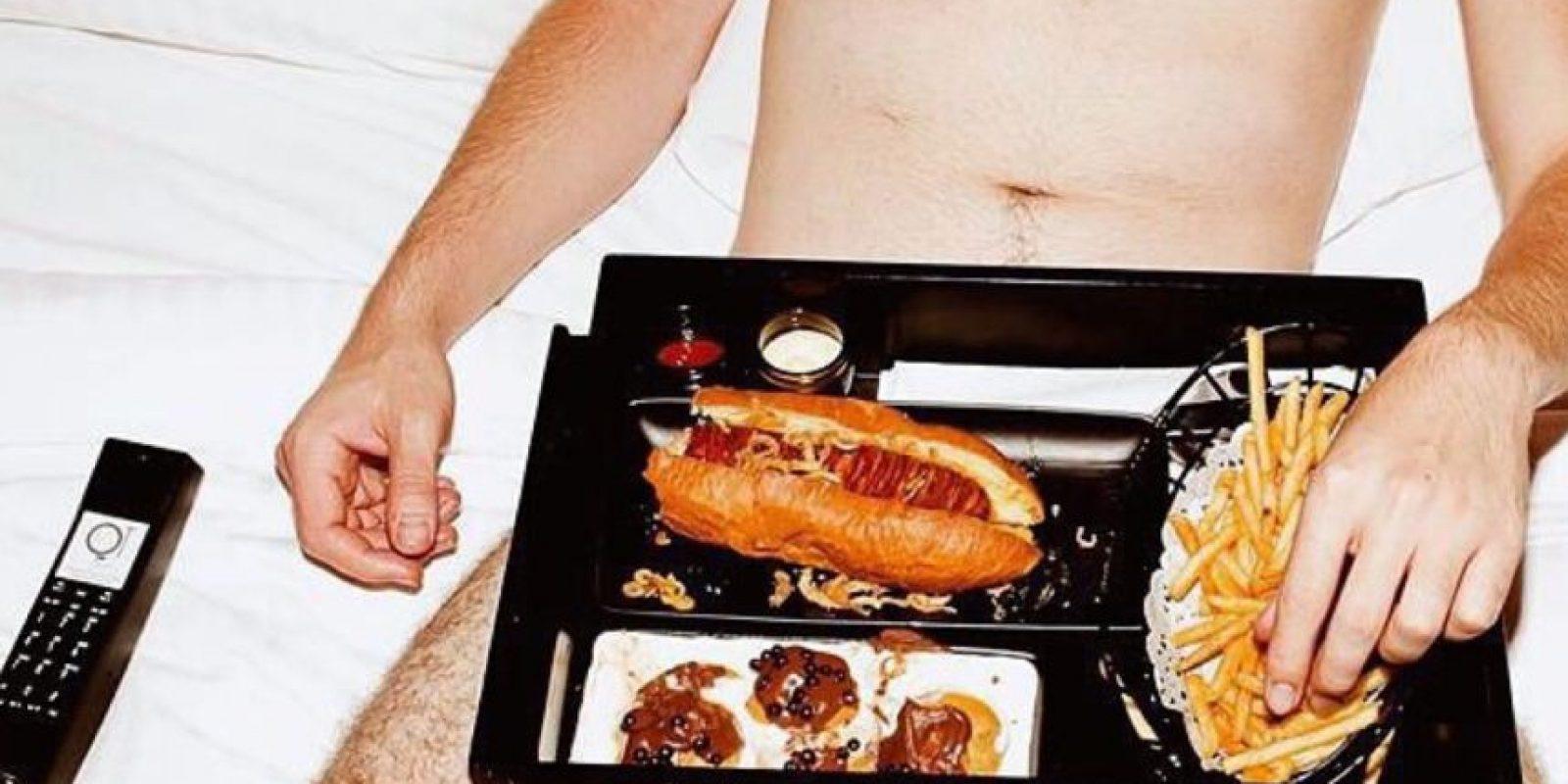 """El término """"food porn"""", con el que se conocen los apetitosos platos en Instagram y Pinterest, fue interpretado literalmente por la fotógrafa Sara Babah en Instagram Foto:Sex & Takeout"""