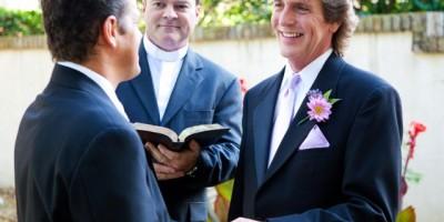 Decenas de parejas homosexuales se casan en Florida tras fin de prohibición de bodas gay