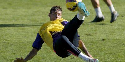 La publicación alaba que a los 22 años sea el capitán de la Selección de Brasil