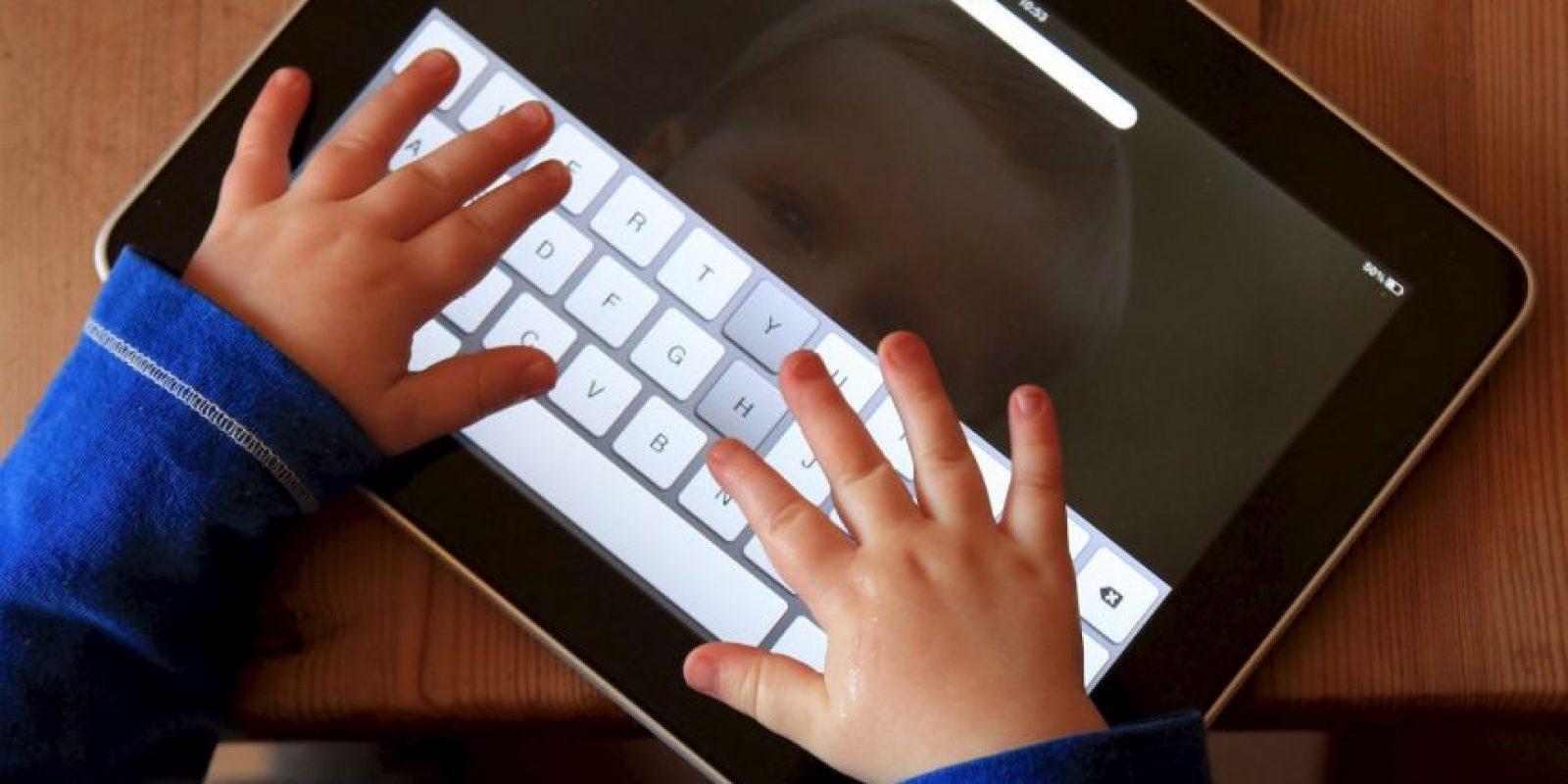 Por razones de seguridad, muchos padres supervisan el uso que sus hijos menores de edad le dan a estas herramientas. Sin embargo, además de supervisar lo que los menores hacen en Internet algunos padres optan por espiar cada actividad de sus hijos. Foto:Getty