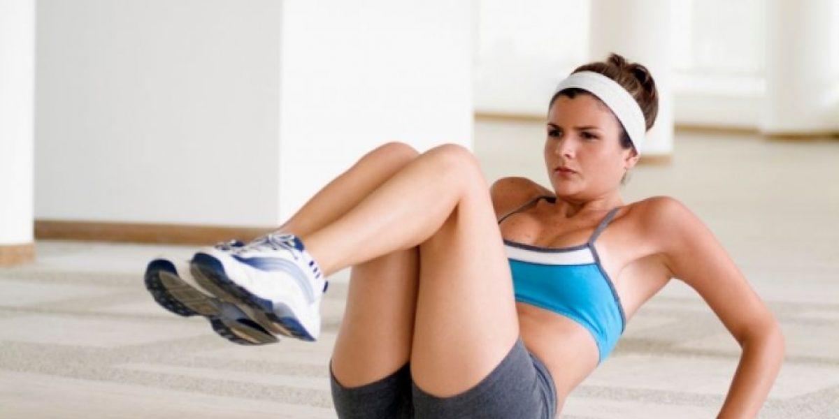 No cometas estos errores al hacer abdominales