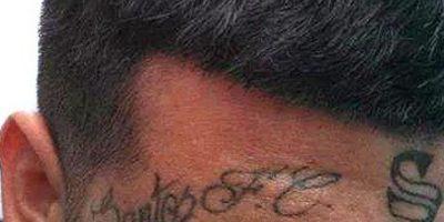 En total, son 14 los tattoos que el hincha del Peixe tiene en su cuerpo Foto:Facebook