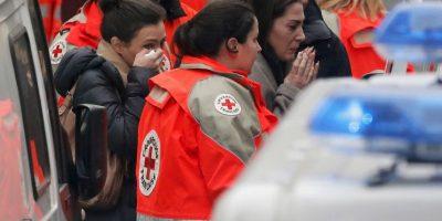 """El ministro del Interior, Bernard Cazeneuve, informó este miércoles de que se está buscando activamente a los """"tres criminales"""" responsables del atentado. Foto:AFP"""