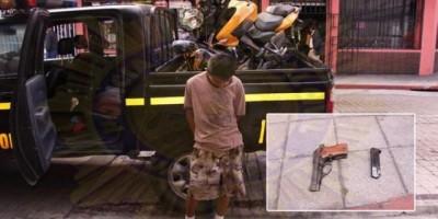 Policía detiene a adolescente que habría participado en ataque a bus