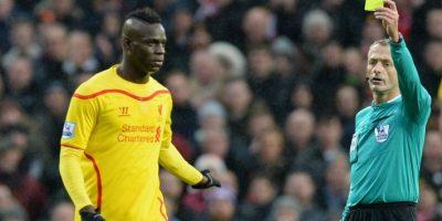 El delantero italiano produce más noticias por su comportamiento fuera del campo que por su rendimiento con el Liverpool. Foto:AFP