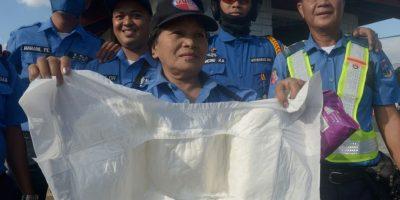 Policías tendrán que usar pañales durante la visita del Papa a Filipinas