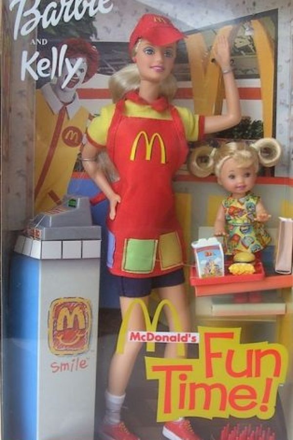 Barbie empleada de McDonald´s Foto:Mattel