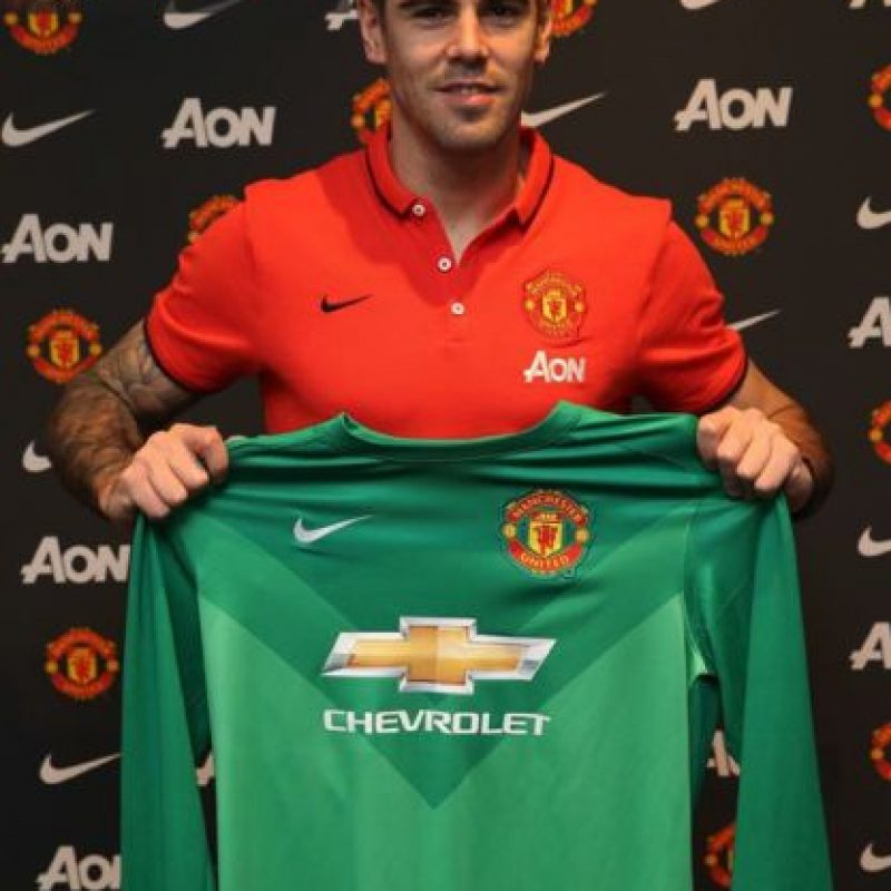 El portero pertenecerá al United hasta 2016 Foto:Facebook: Manchester United