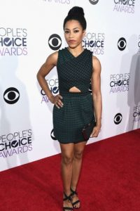 Kelly McCreary en tela escocesa Foto: Getty Images
