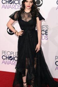 No, Kat Dennings. Así no. Foto:Getty Images