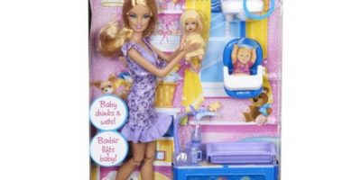 Barbie niñera. Foto:Mattel