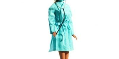 Barbie cirujana plástica Foto:Mattel