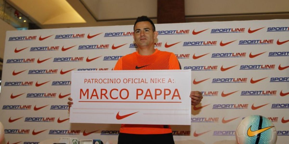 Marco Pablo Pappa se pone la camisola de Nike
