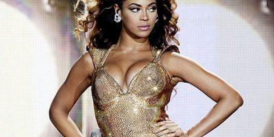 Tal vez Beyoncé ya no se pone los vestidos hechos por su madre. Foto:Getty Images
