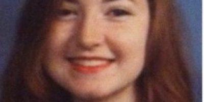 FOTOS: Escuela hizo Photoshop a rostro de alumna para que se viera menos