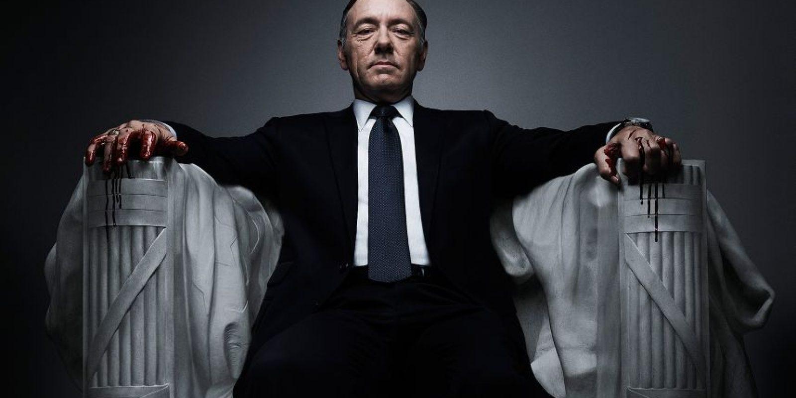 Si hay una serie que logró captar la atención del público, ésa es House of Cards. Sobre todo su protagonista, Kevin Spacey , quien ayer se hizo de un Globo de Oro, justamente por la personificación de este político ambicioso Foto:Netflix