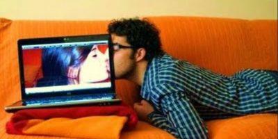 """""""En 2015 vamos a dar un paso más gracias a """"los juguetes sexuales que se pueden controlar de forma remota a través de los smartphones y los ordenadores"""". Foto:Tumblr.com/Tagged-sexo-cibernético"""