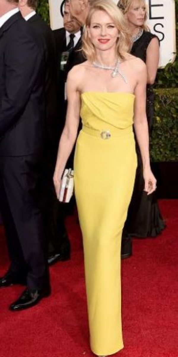 Naomi Watts. Bien, pero la gargantilla sobra Foto:Getty Images