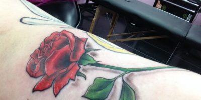 Ella fue a la tienda de tatuajes Erykane Art, cuya dueña es Erika Jensen. Foto:WasHuZ/Imgur