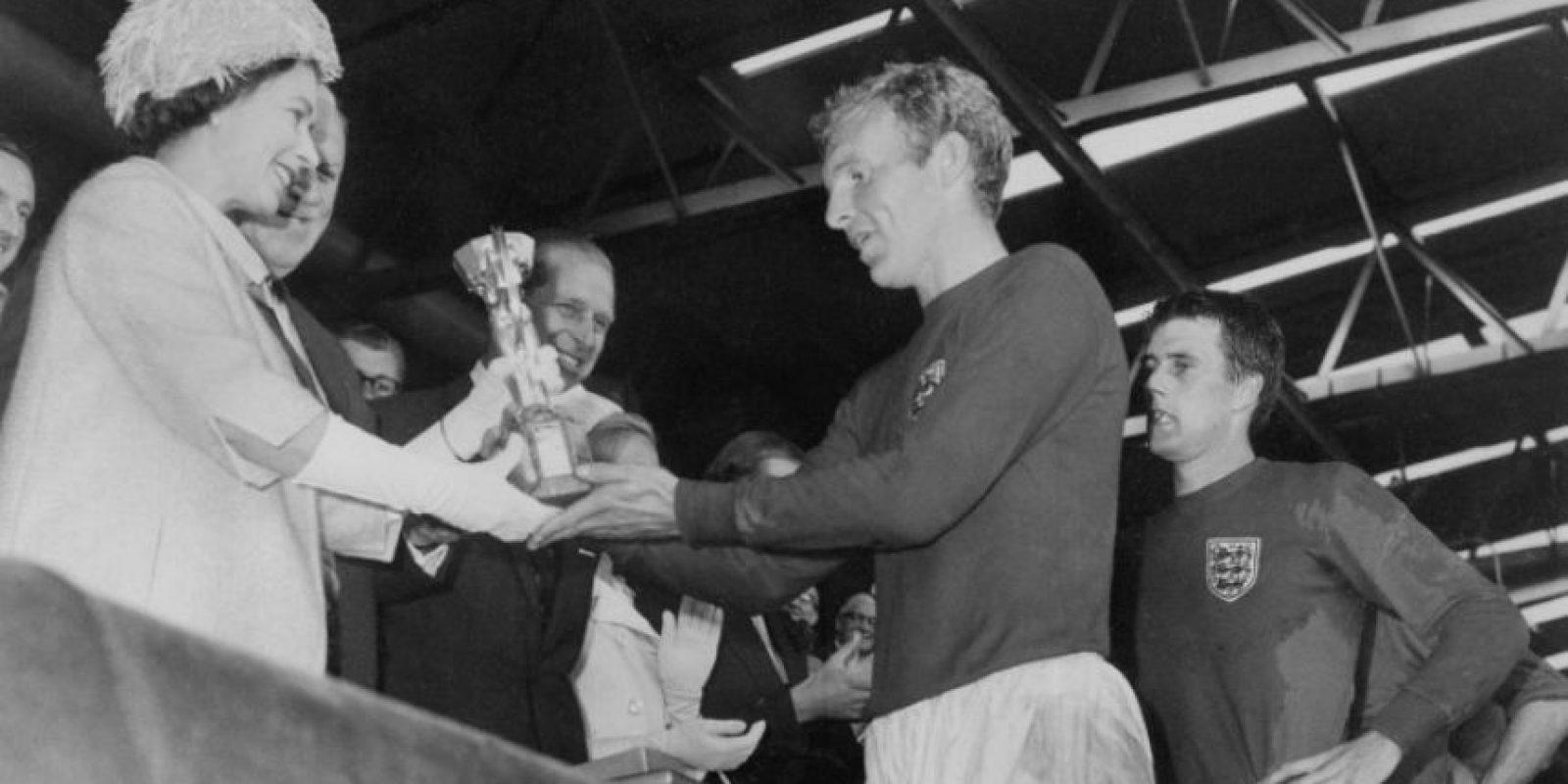 La Copa Jules Rimet le fue entregada al campeón del mundo entre 1930 y 1970. Foto:AFP