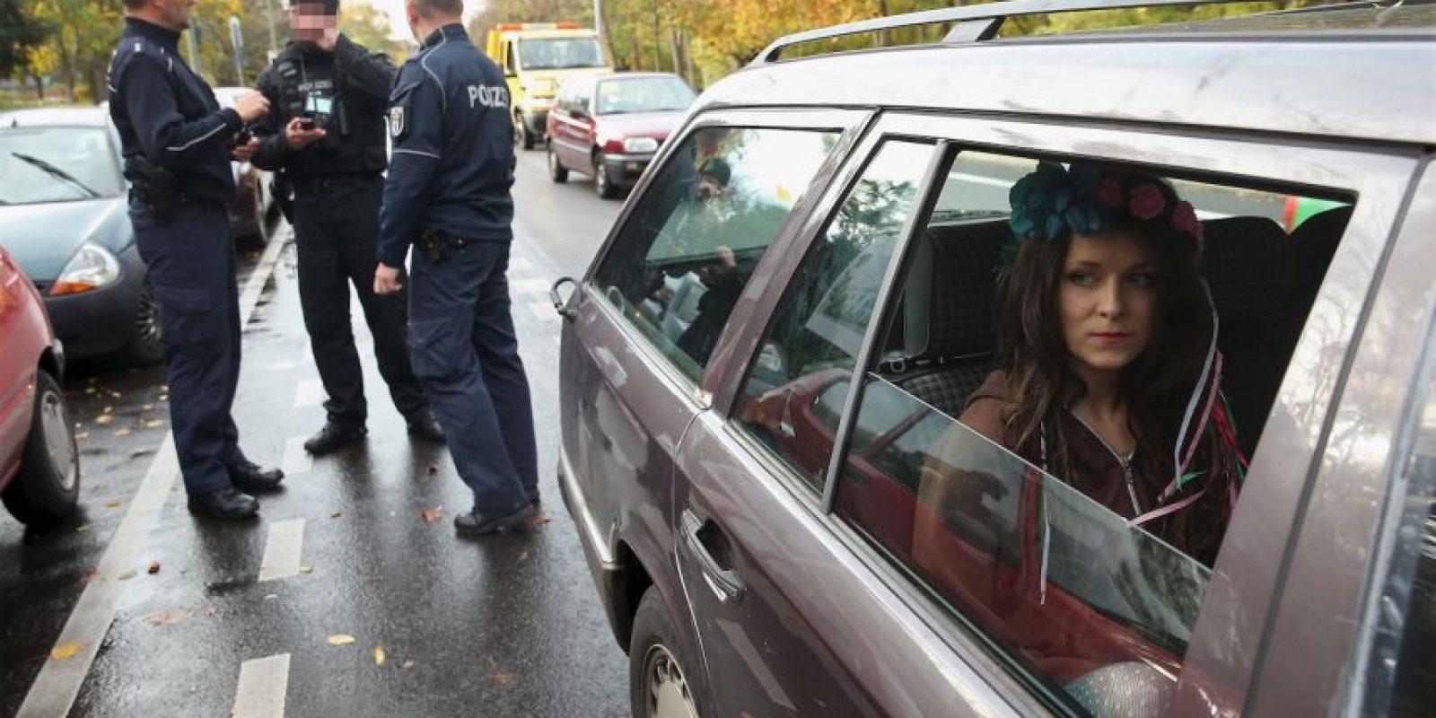 12. Usa el cinturón de seguridad y asegúrate de que el resto de los pasajeros también lo utilicen. Foto:Getty Images