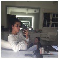 Kim Kardashian afirma que este es su look libre de sombras, correctores y labial Foto:Instagram/Kim Kardashian