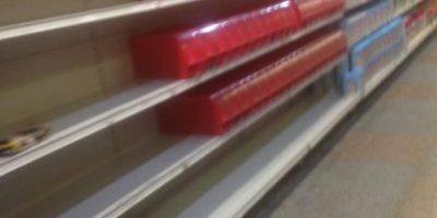 Venezolanos protestan en Twitter con fotografías de estanterías vacías