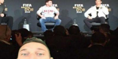 FOTOS: Los mejores memes del selfie de Totti en pleno partido de fútbol