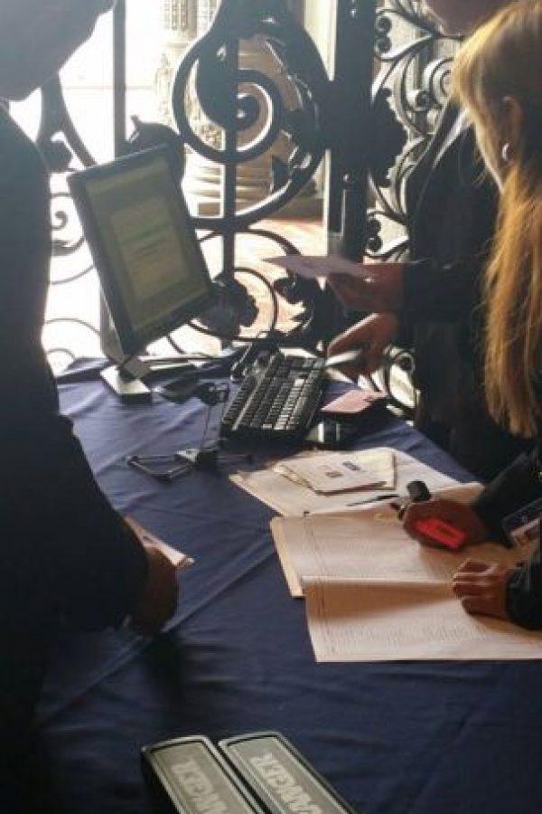 Con código de barras fueron registrados los periodistas que cubrieron el evento. Foto:Publinews