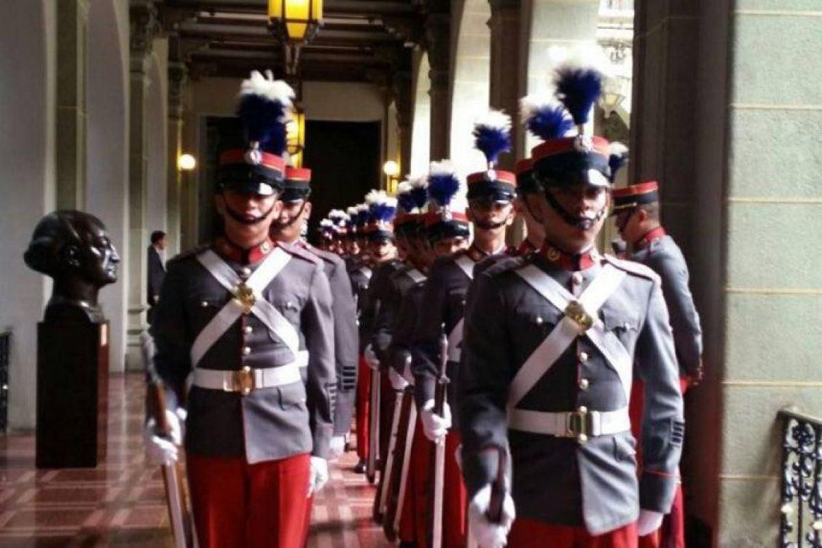 Los cadetes del Ejército en el Palacio Nacional de la Cultura. Foto:Publinews