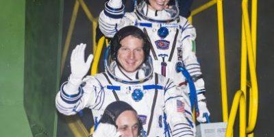 Astronautas estadounidenses se refugian con rusos por gas tóxico