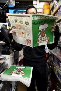 Muchos tenían interés en leer su contenido después de los atentados. Foto:Getty Images