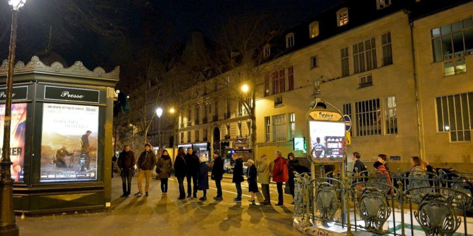 Los franceses madrugaron para comprarlo. Foto:Getty Images