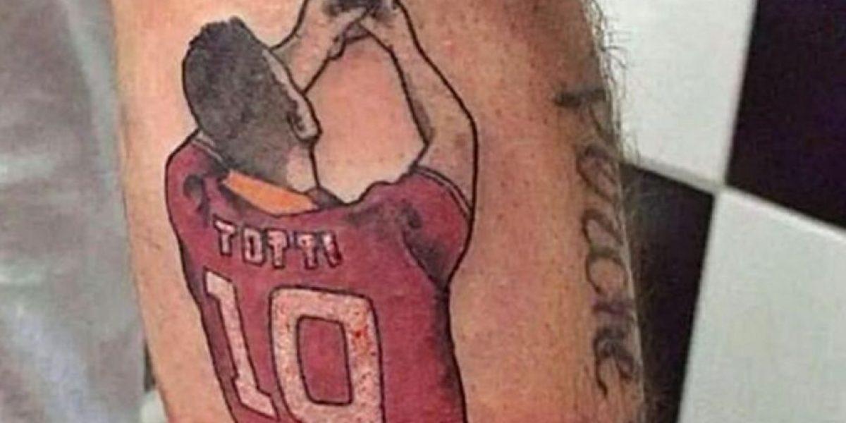 Hincha se tatúa el gracioso selfie de Francesco Totti
