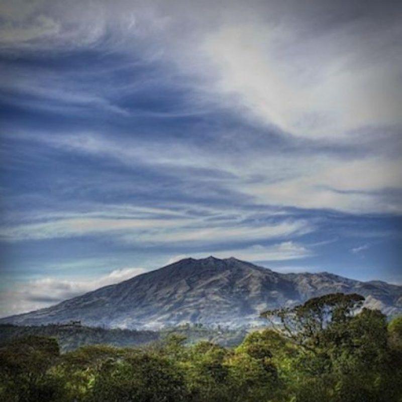 Es uno de los volcanes más activos de Colombia. Durante 2009 y 2010, el volcán presentó diversas erupciones. Foto:instagram.com/johnleyton