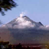 Ubicado a 72 kilómetros de la Ciudad de México, es el segundo más alto de los volcanes mexicanos. Foto:instagram.com/blumen8