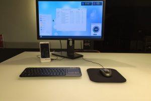 Mientras está conectado en el modo escritorio puede recibir llamadas, mensajes y notificaciones. Foto:Kickstarter/Andromium
