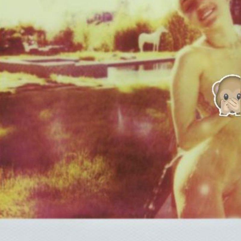 """Miley Cyrus en la revista """"V Magazine"""" Foto:Vmagazine.com"""