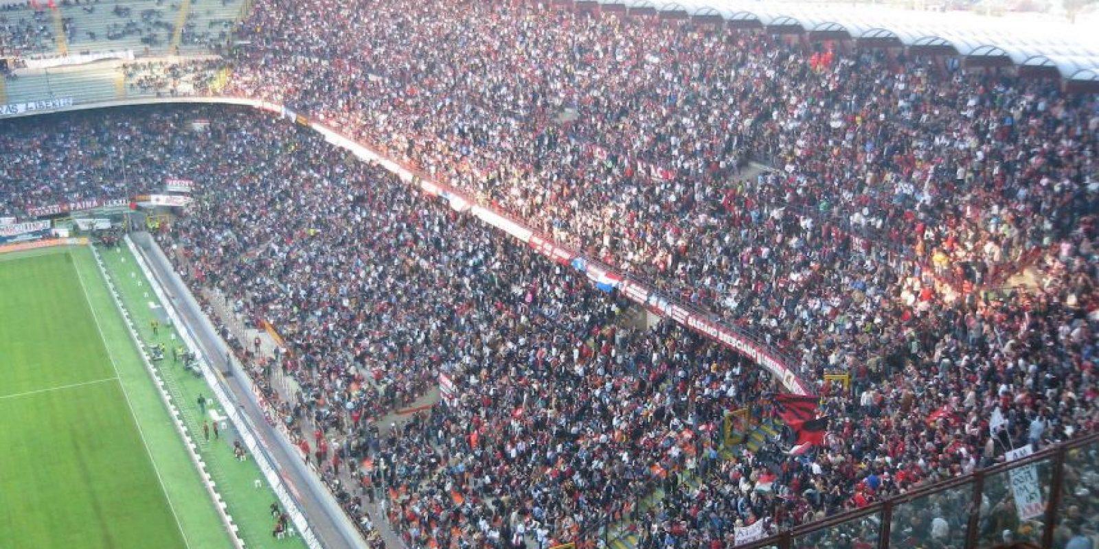 Cuando Milán juega como local el Estadio se llama San Siro, distrito donde se construyó en 1925 Foto:Wikipedia