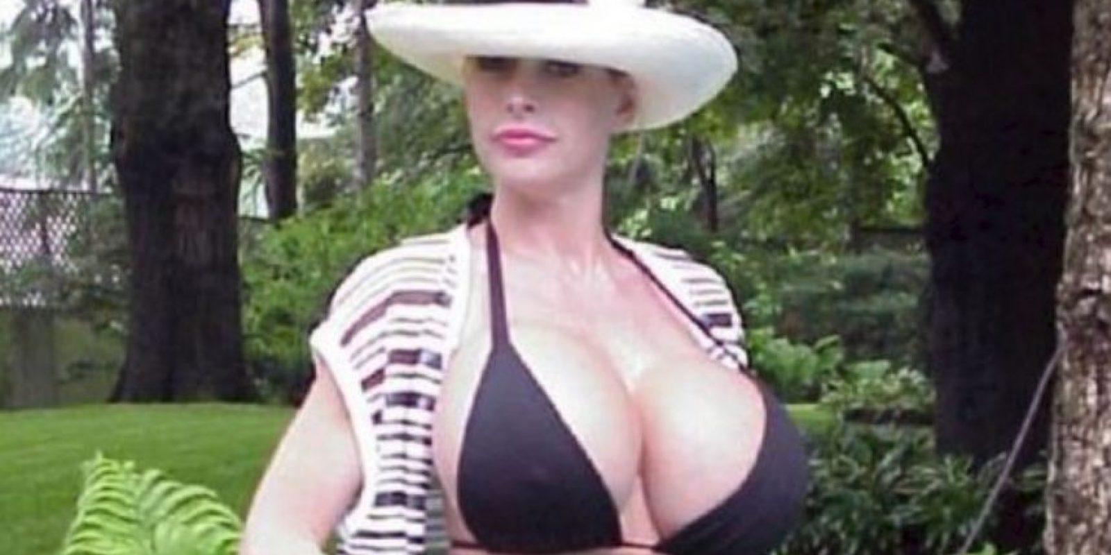 Es una retirada actriz porno estadounidense de grandes senos Foto:Twitter Pandora Peaks