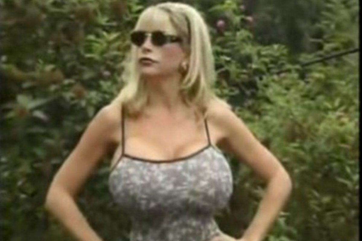 En 2010 fue la mujer con los senos más grandes del mundo Foto:Twitter Pandora Peaks