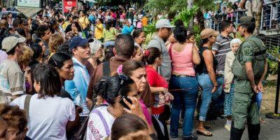 """""""La caída de los precios puede tener un efecto devastador, el cual crea una crisis política que beneficia a la oposición y que puede llevar a la caída de Nicolás Maduro del Gobierno"""", analiza el Maestro Barbosa. Foto:AFP"""