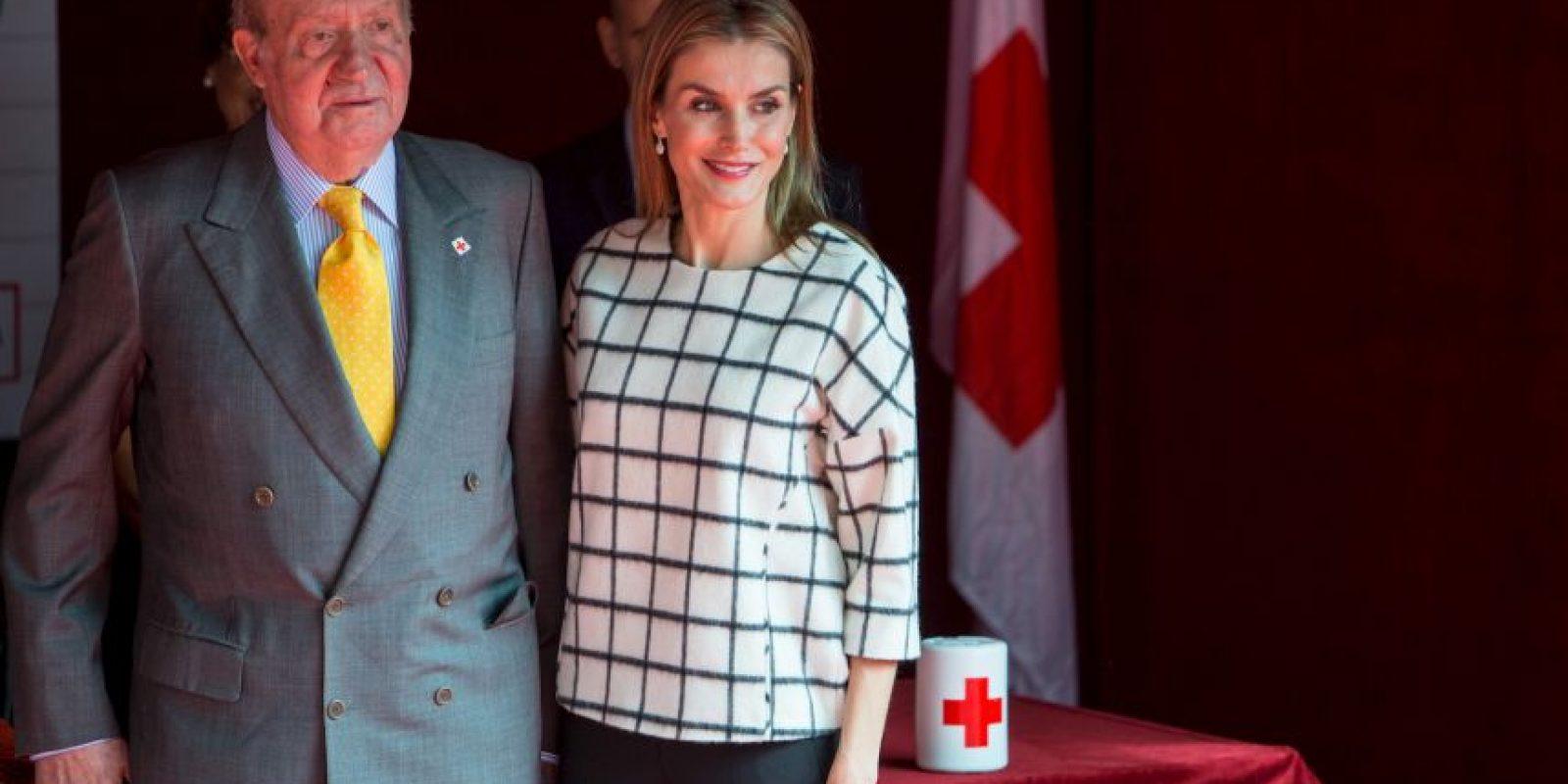 Aquí con la Reina Letizia. Foto:Getty Images