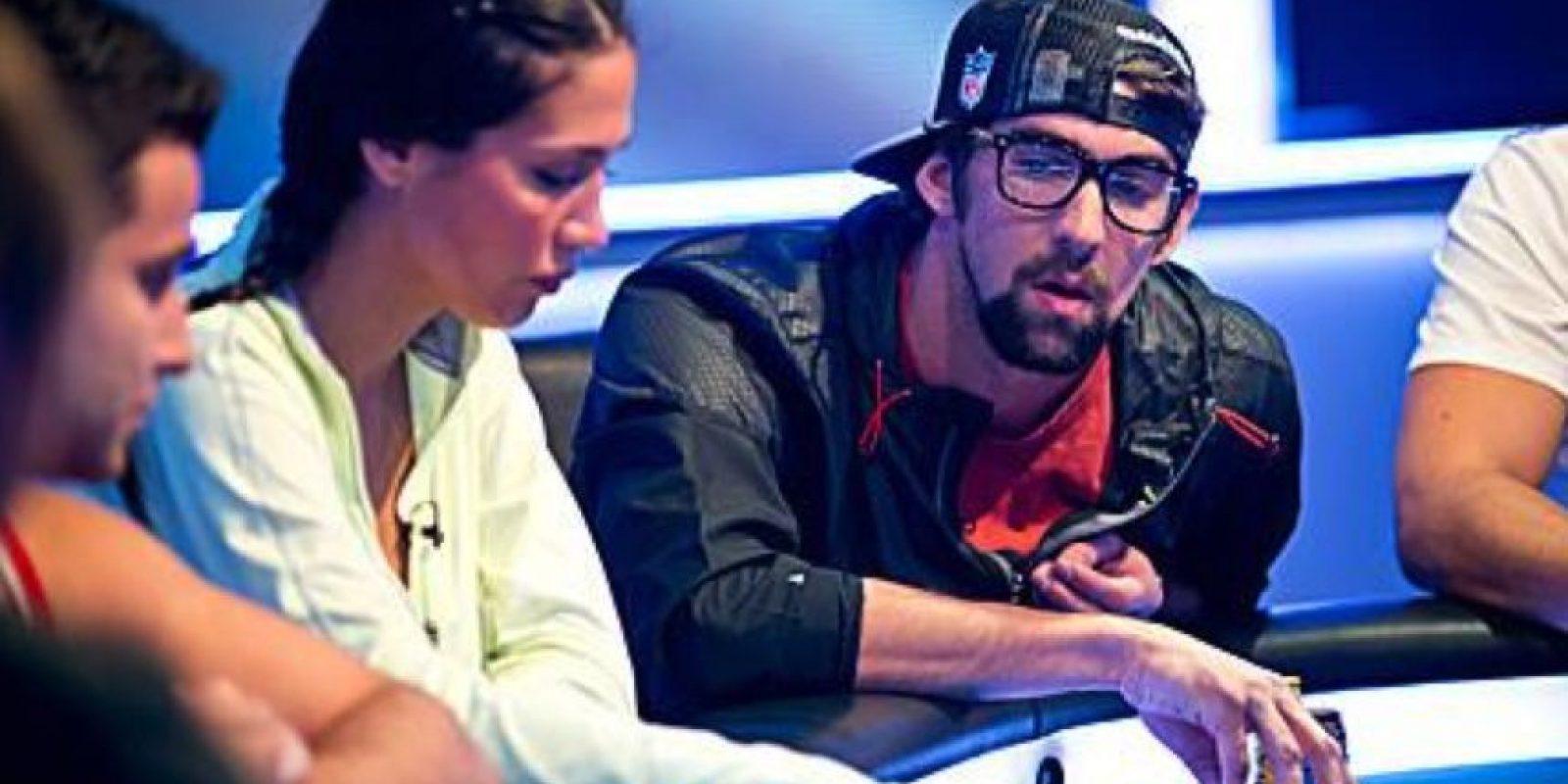 El nadador Michael Phelps, concentrado en un torneo Foto:Twitter: @piwelli