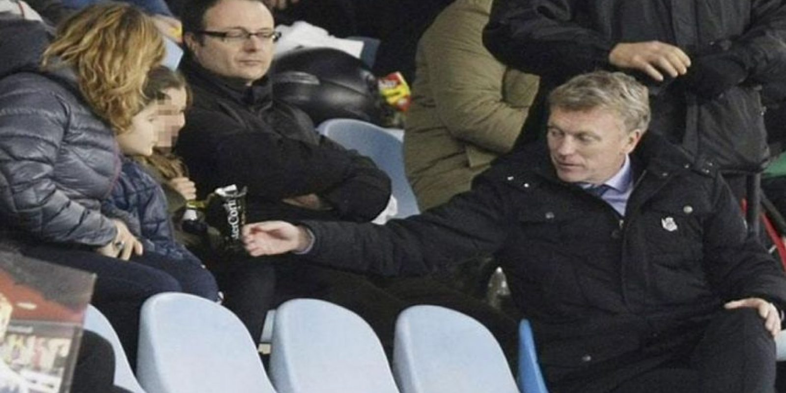 El entrenador de la Real Sociedad vio el partido de la tribuna. Foto:Twitter