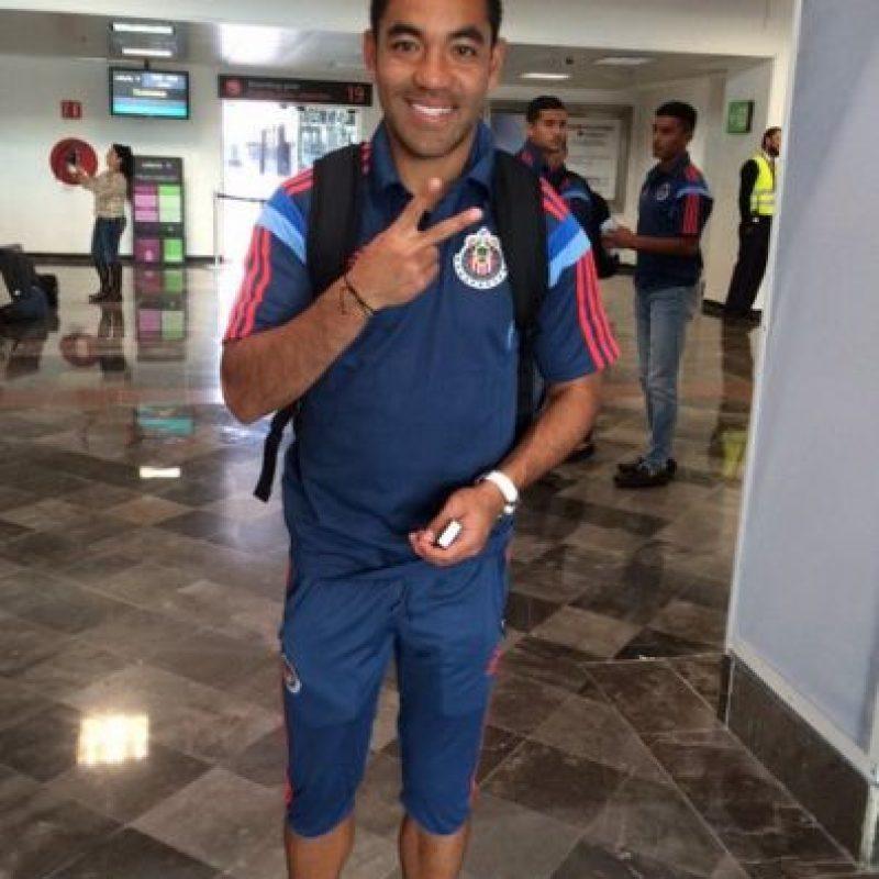 Y al seleccionado mexicano Marco Fabián Foto:Twitter: @Chivas