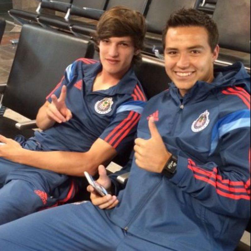 Pero la mayoría de su equipo está formado por la cantera como Carlos Fierro y Erick Torres Foto:Twitter: @Chivas